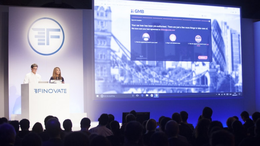 Piloteo together with Smartify.it at Finovate Europe in London